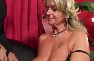 الأم وحدها مع كبير الثدي ارشيف عرب نار الطبيعية يعطي ابنها اللعنة في المهبل